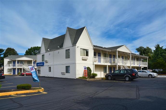Motel 6 Hartford Southington