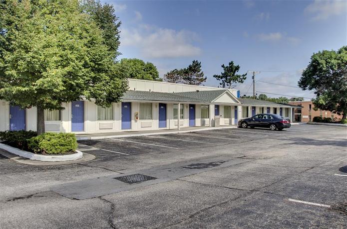 Motel  Security Boulevard