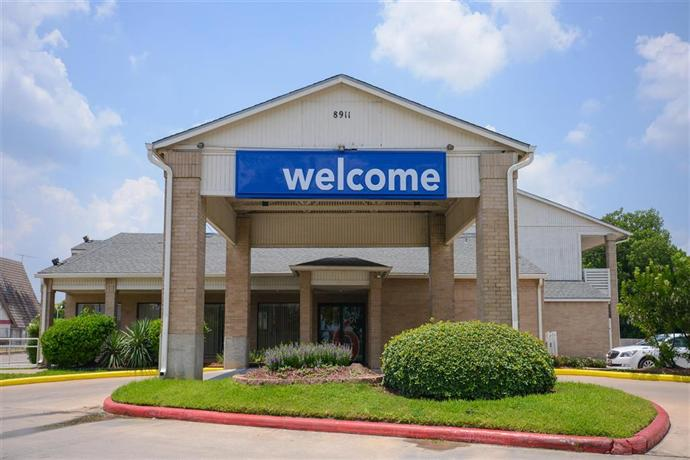 Motel 6 Houston-Baytown East