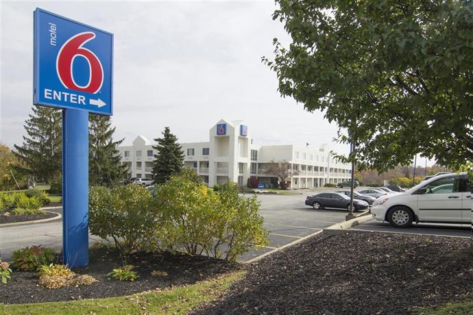 Motel 6 Cleveland Willoughby
