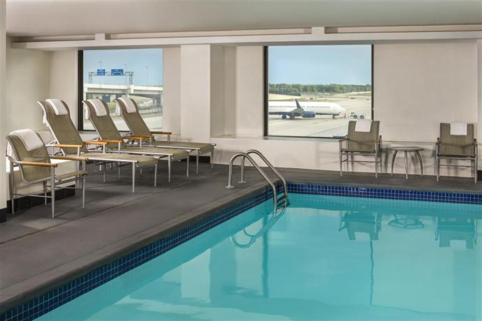 Detroit Metro Airport Hotels With Free Parking