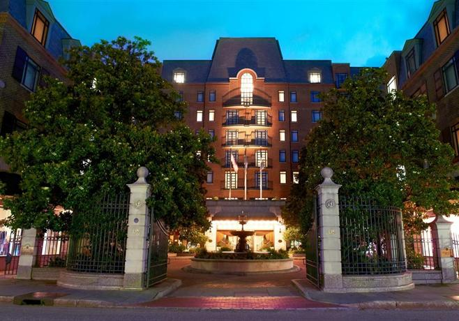 Charleston Place Hotel Reviews