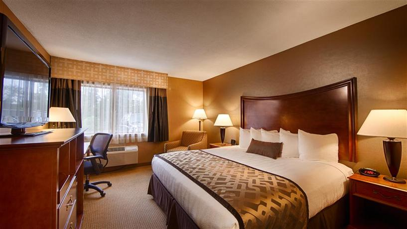 Best Western PLUS North Haven Hotel