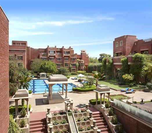 Itc rajputana a luxury collection hotel jaipur compare for Luxury collection hotels