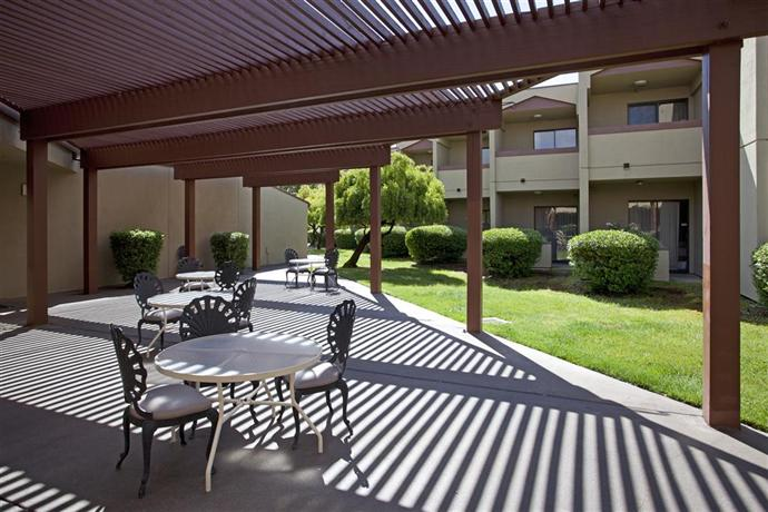 Best Western Plus Wine Country Inn Suites Santa Rosa Compare Deals