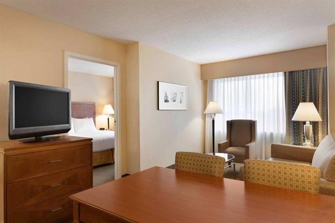 best value boston hotels near subway stations on the t. Black Bedroom Furniture Sets. Home Design Ideas