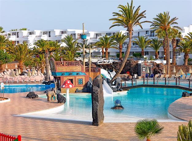 H10 suites lanzarote gardens teguise compare deals for Designhotel lanzarote