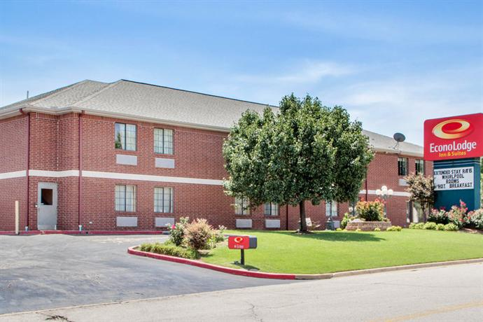 Econo Lodge Inn & Suites Tulsa