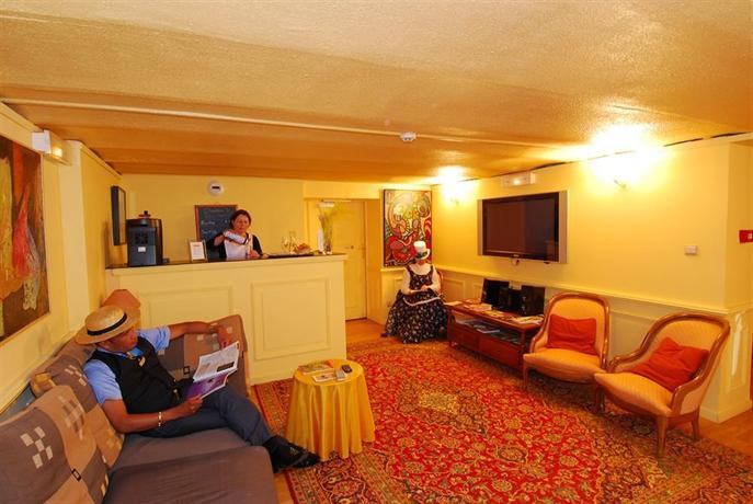 Hotel ermitage bouquet rouen compare deals for Bouquet hotel