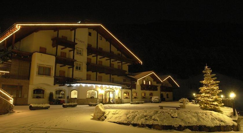 Hotel Touring Pozza di Fassa