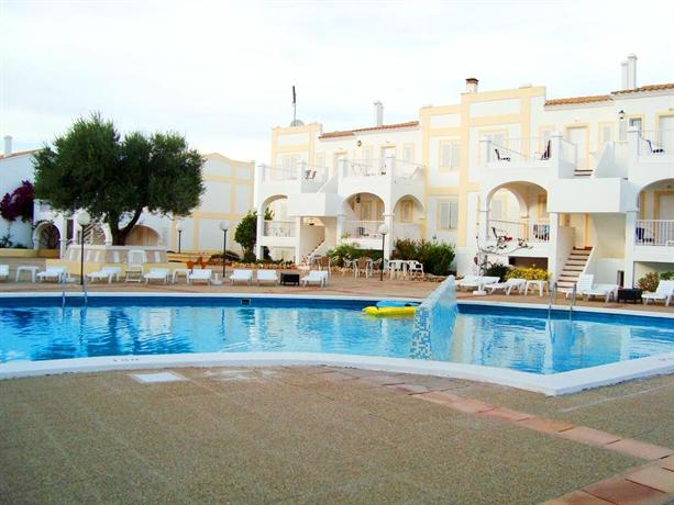 Apartamentos castell sol menorca es mercadal compare deals - Apartamentos voramar menorca ...