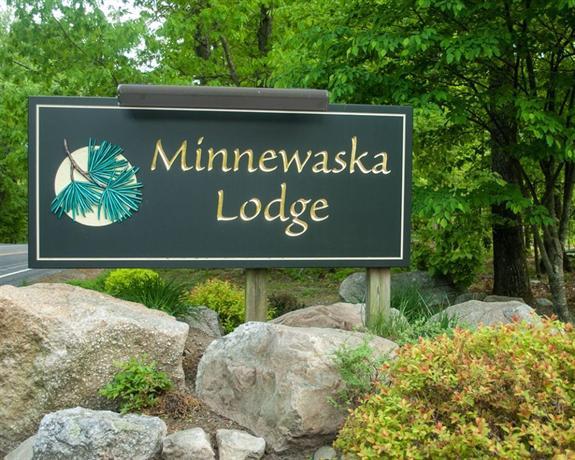 minnewaska lodge bed breakfast gardiner new york compare deals. Black Bedroom Furniture Sets. Home Design Ideas