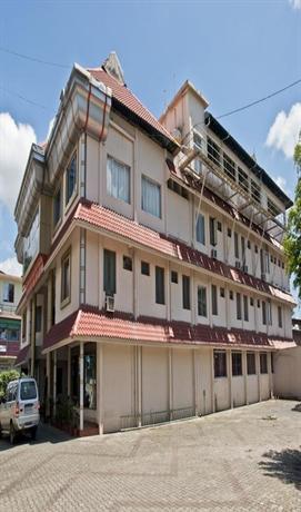 Issac's Hotel Regency