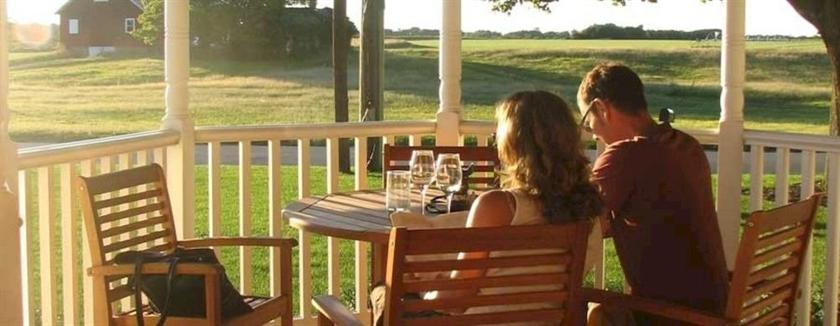 Shinn Estate Vineyards and Farmhouse Mattituck pare Deals