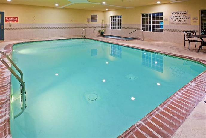 Country inn suites valparaiso indiana compare deals for Laporte indiana phone directory