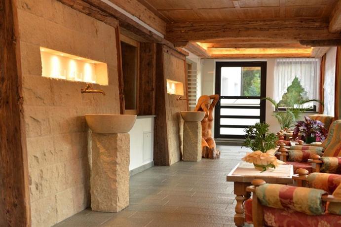 Hotel Terme Antico Bagno, Pozza di Fassa - Compare Deals