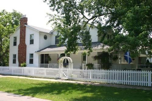 Finlay House Niagara On The Lake Compare Deals