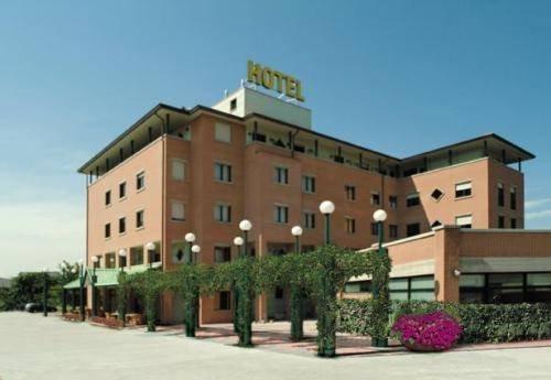 Leonardo Hotel Parma