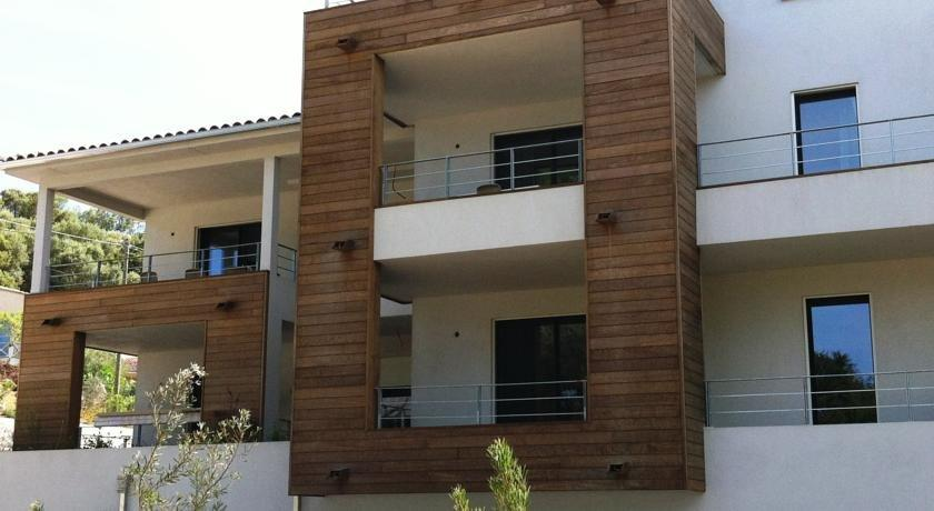 Residence hoteliere alcyon porto vecchio compare deals for Residence hoteliere