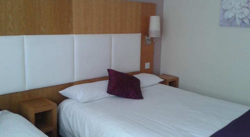 Altrincham Lodge Hotel Phone Number