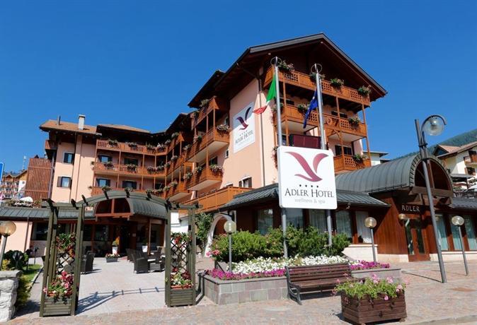 Resultado de imagen para I adler hotel, italia, piazza centrale