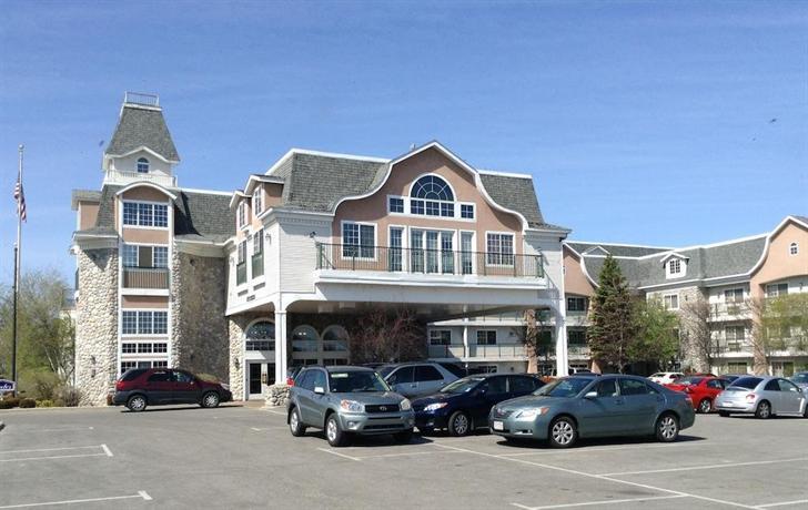 About Hamilton Inn Select Beachfront