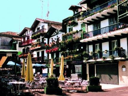 Hotel tryp urdanibia ir n irun encuentra el mejor precio for Gimnasio irun