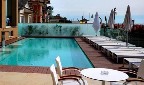 Hotel ancora jesolo compare deals for Ancora hotel