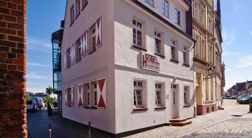 hotel am alten hafen wismar compare deals. Black Bedroom Furniture Sets. Home Design Ideas