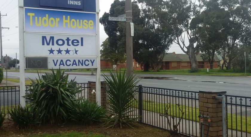 Tudor House Motor Inn Shepparton Compare Deals