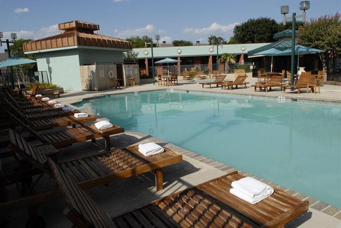 Wyndham Garden Hotel Austin Compare Deals