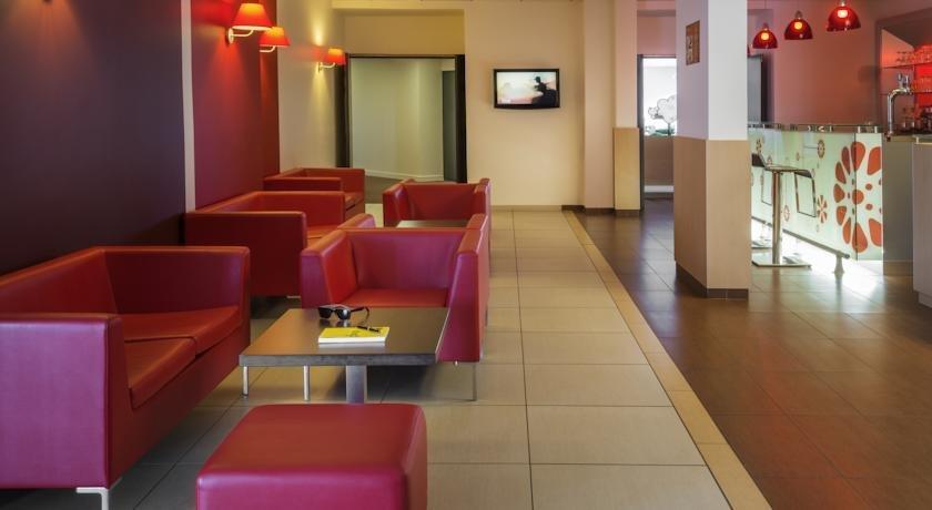 ibis cholet hotels cholet. Black Bedroom Furniture Sets. Home Design Ideas