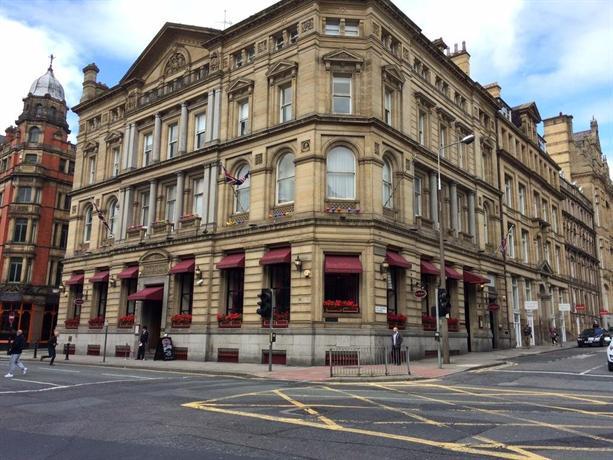 Sir Thomas Hotel