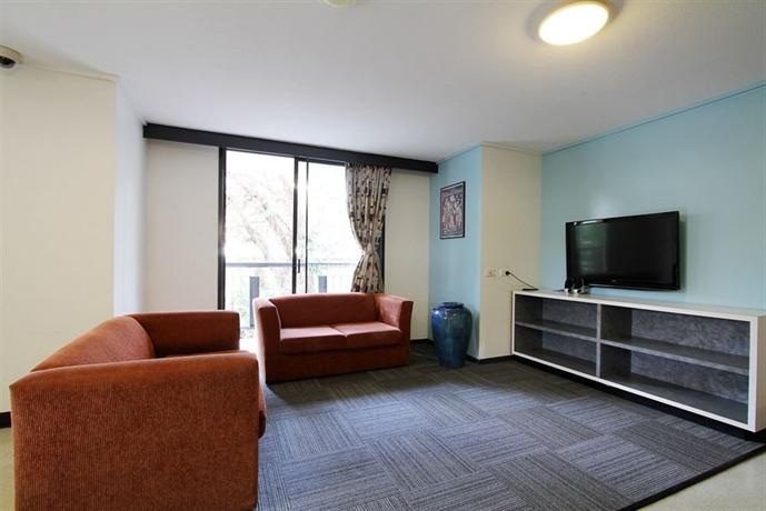 Book Ihouse Rooms