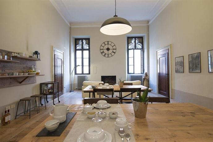 B&B Trentacinque, Verona - Compare Deals