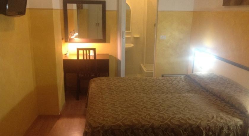 Mini Hotel Genoa