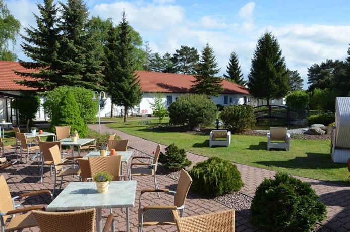 Hotel pommerscher hof zinnowitz compare deals for Guesthouse hof island