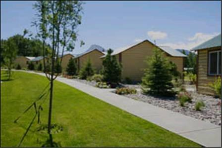 St mary lodge cabins and motel saint mary compare deals for St mary lodge and cabins