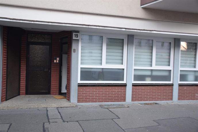 apartment hannover top citylage compare deals. Black Bedroom Furniture Sets. Home Design Ideas