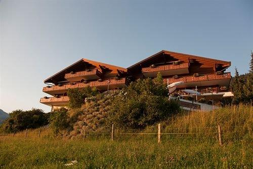 hotel le grand chalet gstaad saanen compare deals