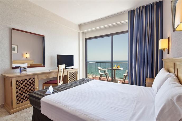 Columbus hotels castell platja d 39 aro for Comparateur de prix hotel espagne