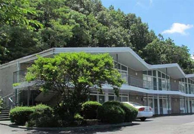 Colony House Motor Lodge Roanoke Offerte In Corso