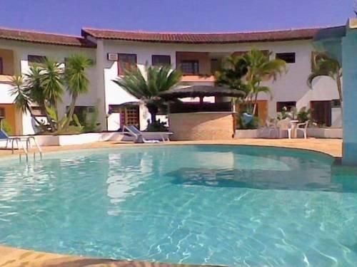 Residencial la corte apart hotel porto seguro compare deals for Appart hotel porto