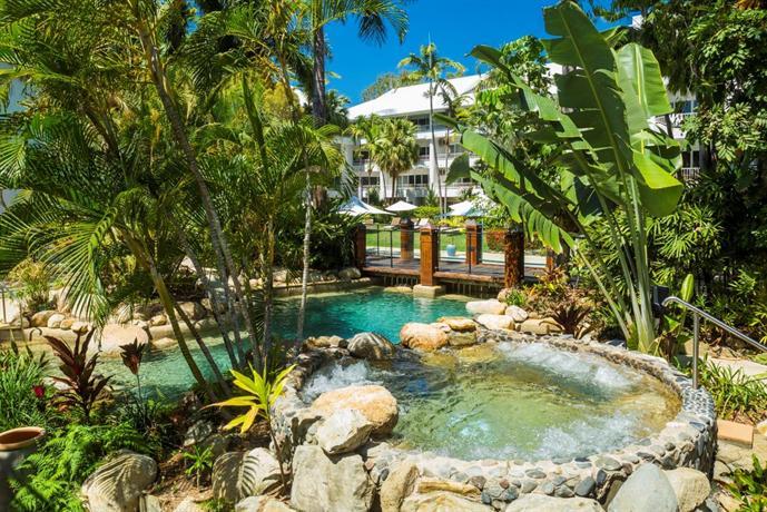 alamanda palm cove by lancemore cairns compare deals. Black Bedroom Furniture Sets. Home Design Ideas