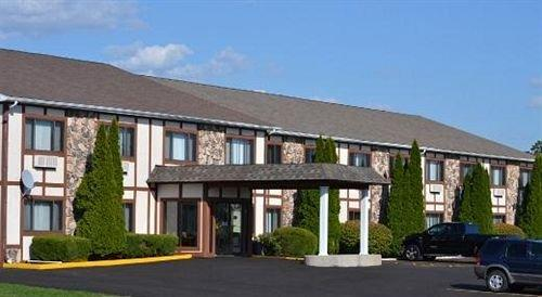 Sky Lodge Inn & Suites Delavan