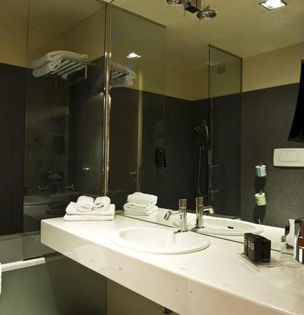 Delle arti design hotel cremona die g nstigsten angebote for Design hotels angebote