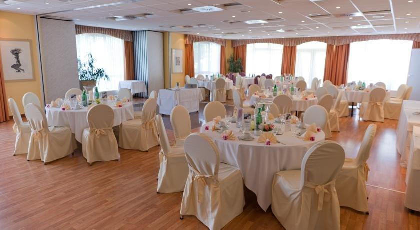 Hotels In Weinbohla Deutschland