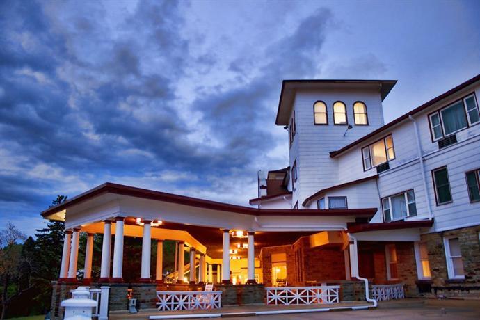 Historic Summit Inn