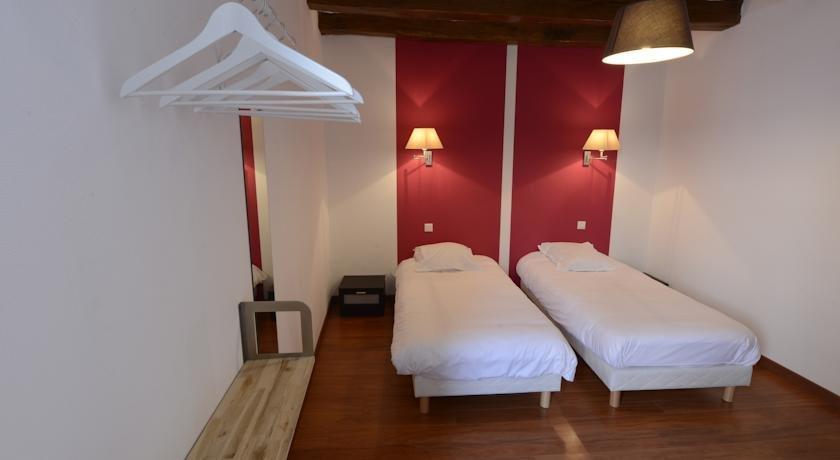 hotel les trois lys azay le rideau compare deals. Black Bedroom Furniture Sets. Home Design Ideas