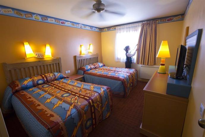 Camere Santa Fe Disneyland : Disney s hotel santa fe r marne la vallée offerte in corso